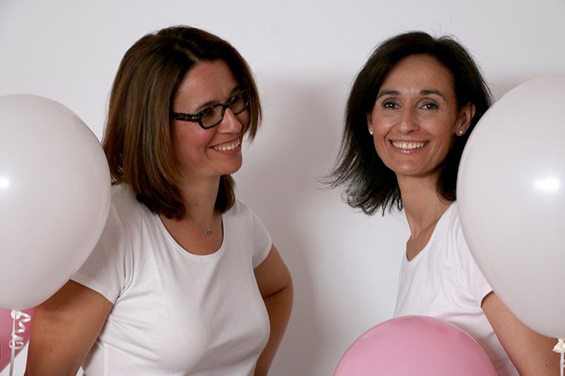Cristina Y Laura disfrutando se una sesion de fotos de WAC Studio Valencia