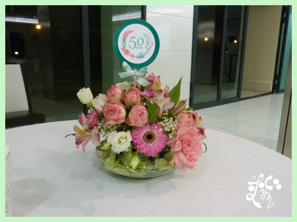 Centro de mesa regadera con flores arreglo floral centro - Centros de mesa de flores ...