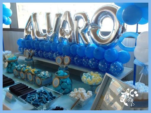 Globos y candy bar bautizo ni o eleyce eventos valencia for Mesa de chuches bautizo