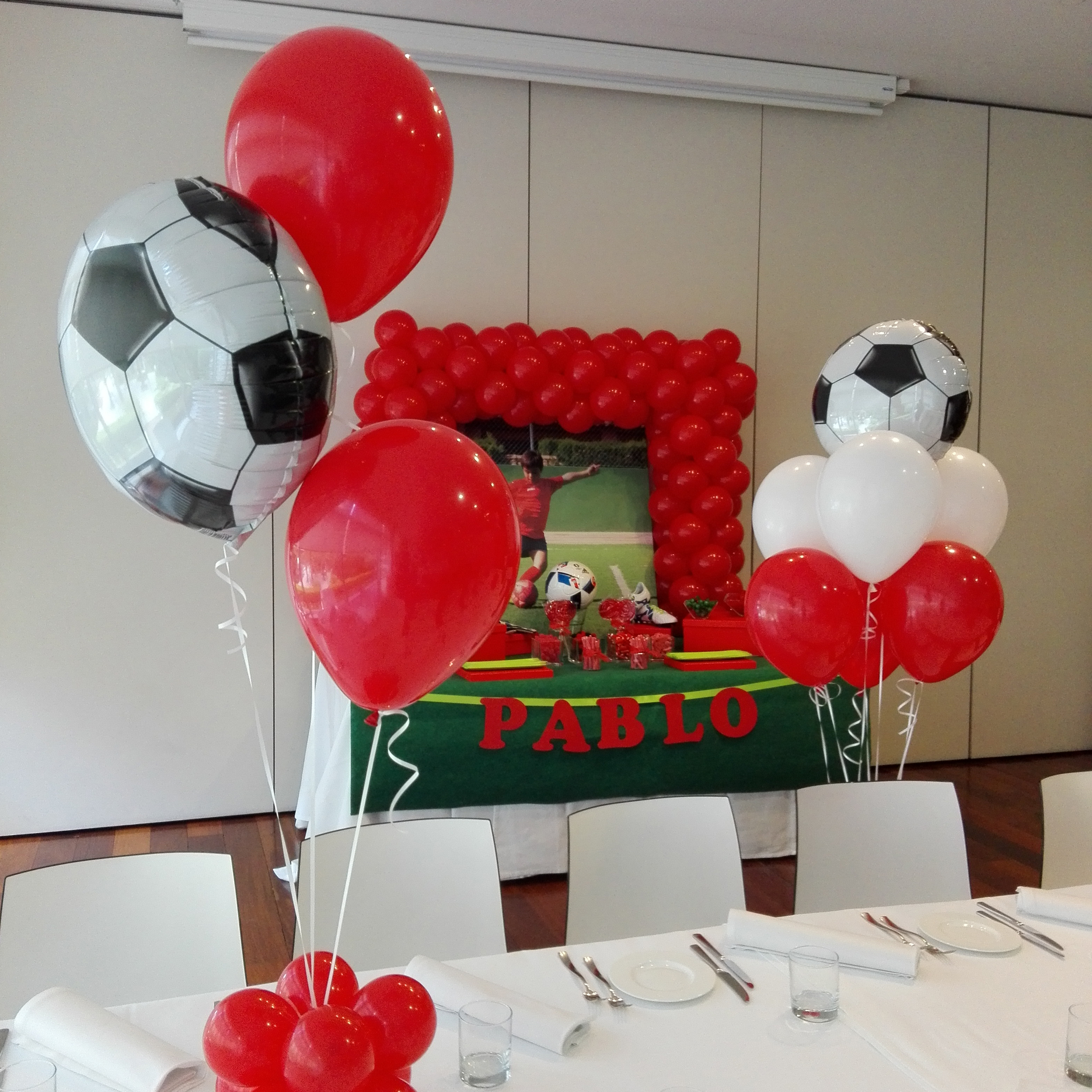Decoraci n con globos mesa dulce candy bar eleyce for Decoracion globos valencia