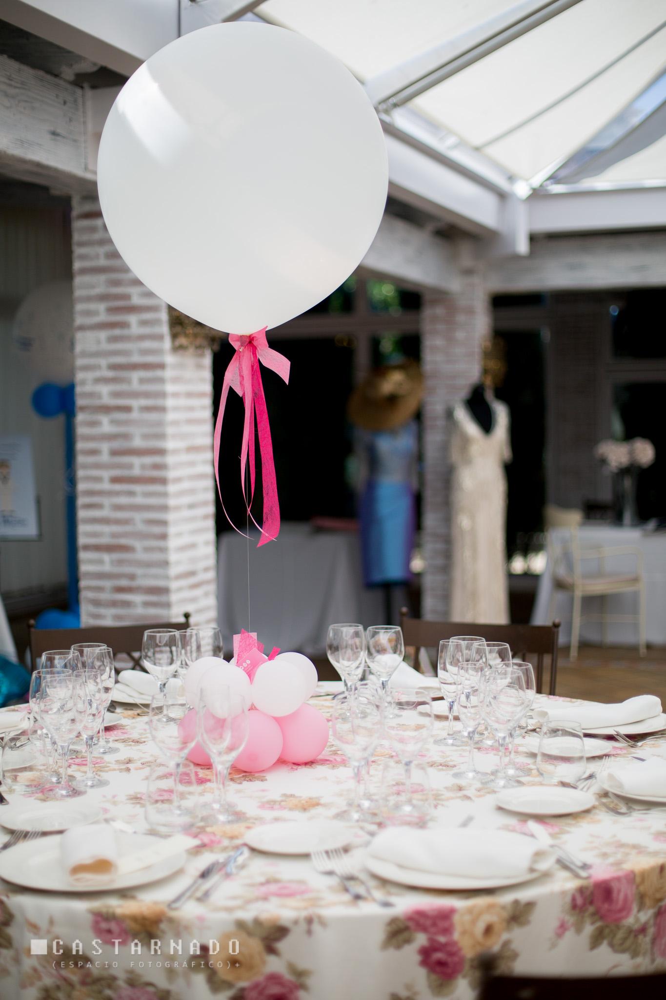 Decoracion centro de mesa con globos eleyce eventos for Decoracion globos valencia
